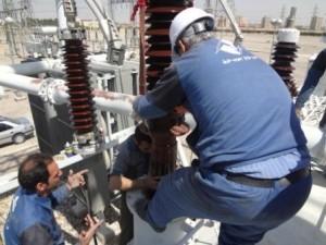 تعویض بوشینگهای ترانسفورماتور پست ۴۰۰ کیلوولت یزد ۱