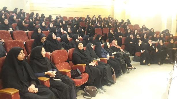 برگزاری نشست بانوان صنعت آب و برق استان یزد به مناسبت روز زن
