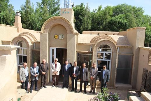 بازدید مدیرعامل برق منطقهای یزد از «خانه سبز» محصول همکاری صنعت برق با دانشگاه