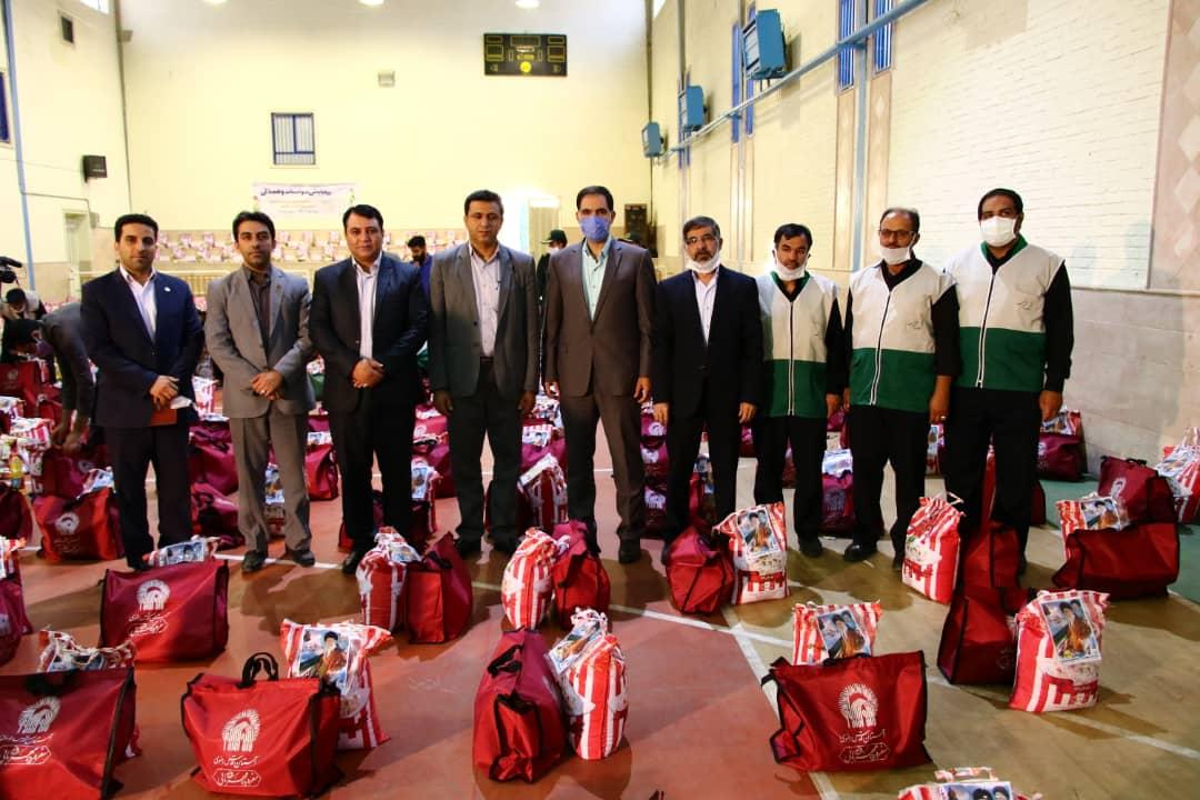 مشارکت برق منطقهای یزد در توزیع ششصد بسته معیشتی در رزمایش همدلی مؤمنانه