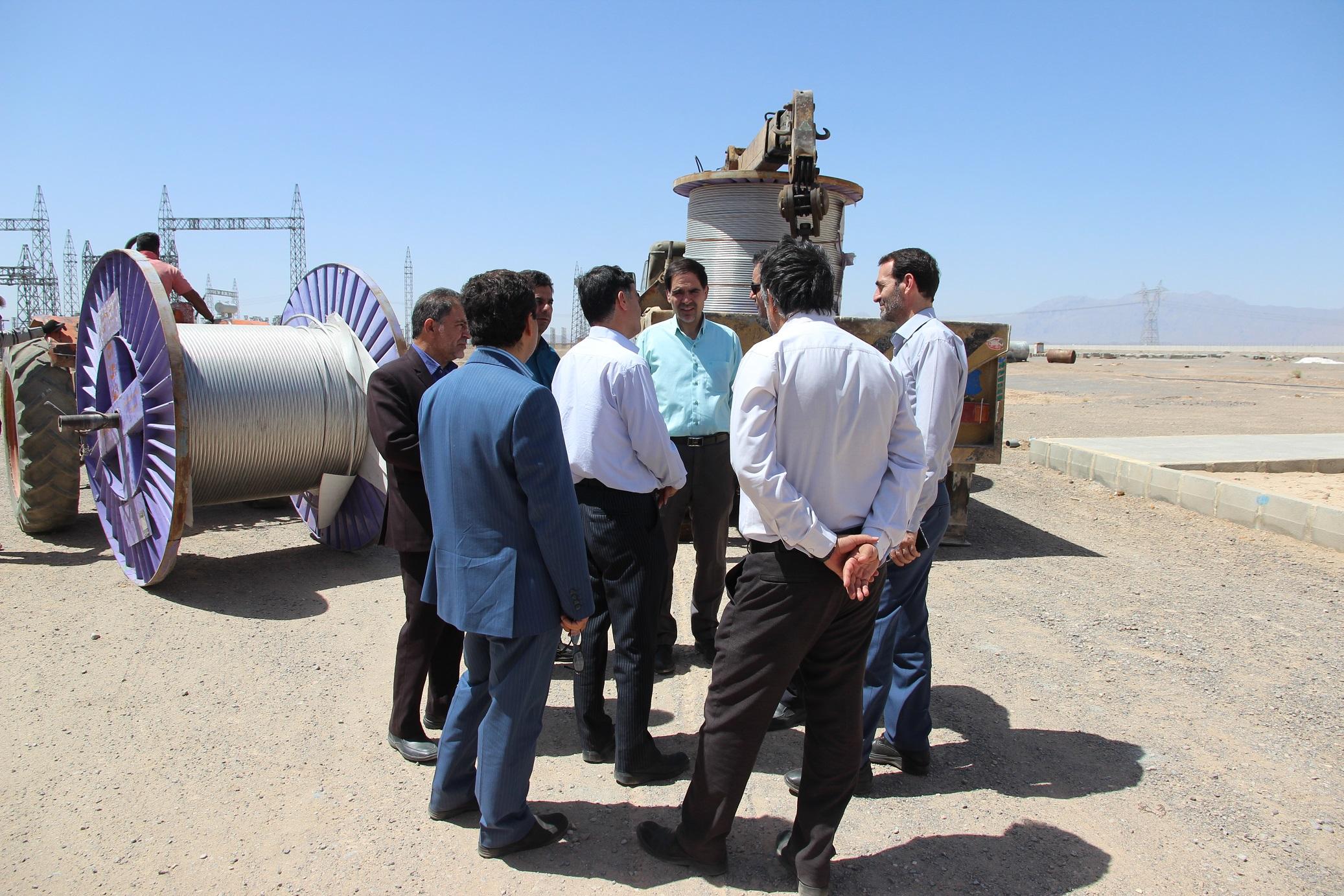 بازدید نماینده توانیر از پروژههای برقرسانی به مناطق روستایی استان یزد