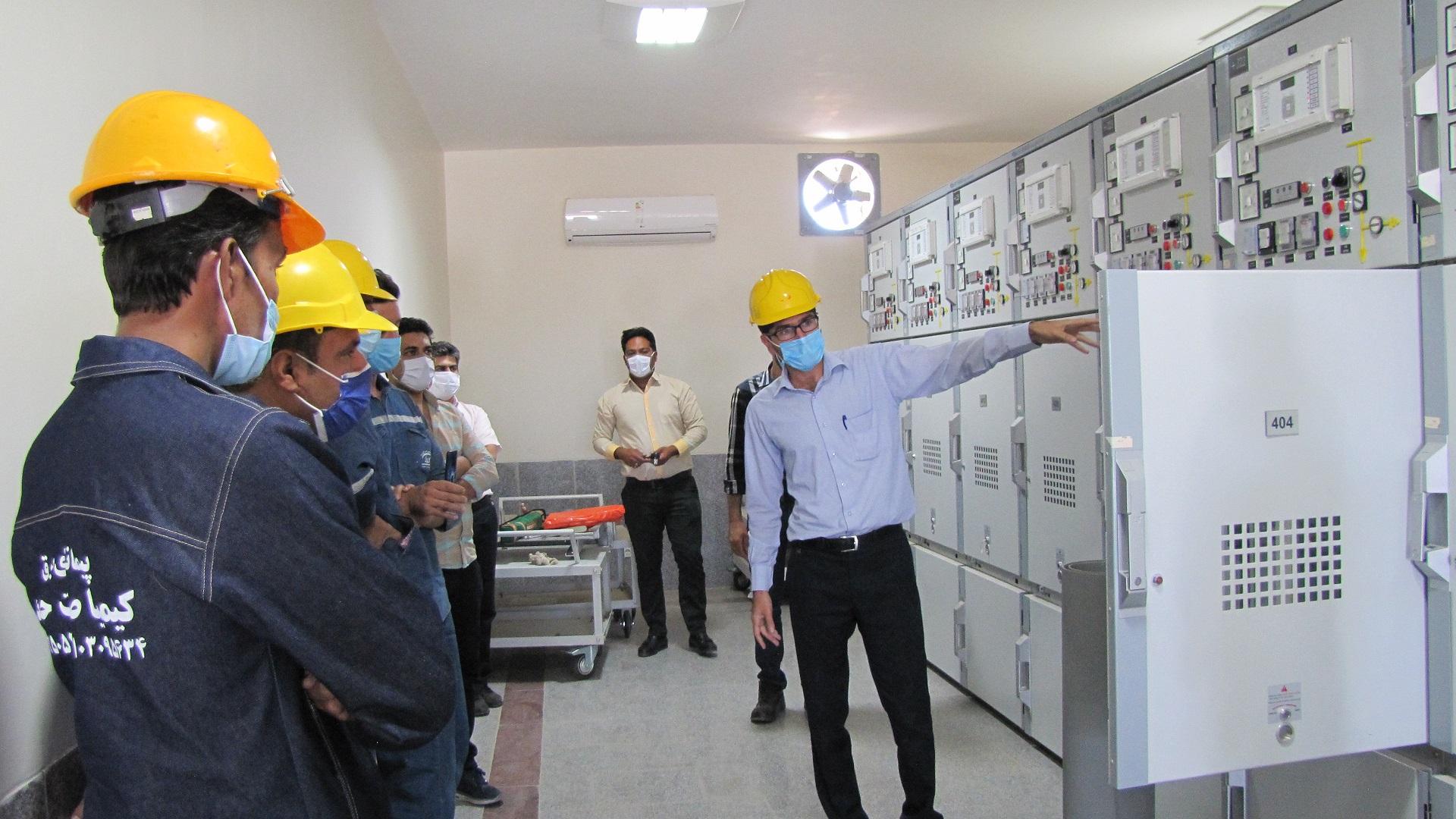 کارگاه آموزش عملی ایمنسازی فیدرهای ۲۰ کیلوولت در برق منطقهای یزد